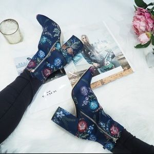Zara Blue Embroidered Boots